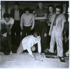 Josef Albers' drawing class ca. 1939-40. Left to right: Lisa Jalowetz, Bela Martin, Fred Stone, Betty Brett, Albers (kneeling), Robert de Niro, Martha McMillan, Eunice Shifris. Courtesy of Western Regional Archives.