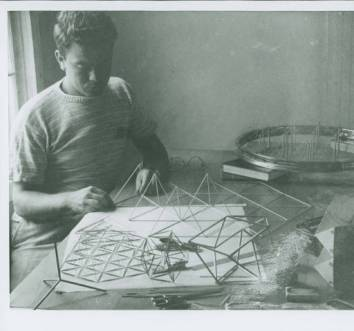 Kenneth Snelson, 1949 Summer Institute, Black Mountain College. Courtesy of Western Regional Archives