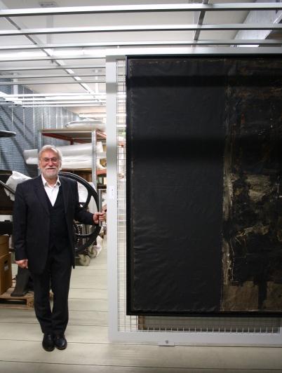 Eugen Blume im Depot des Hamburger Bahnhof - Museum für Gegenwart Berlin mit Robert Rauschenbergs: