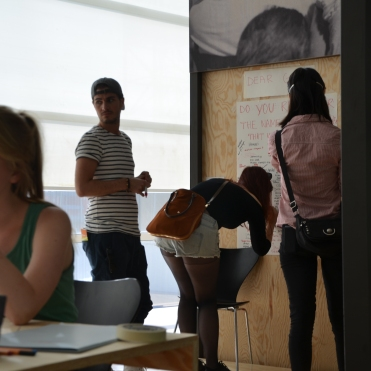 Photo by Elizabet Damyanova. Visitors in the museum. To the left Desiree Vaksdal cutting.